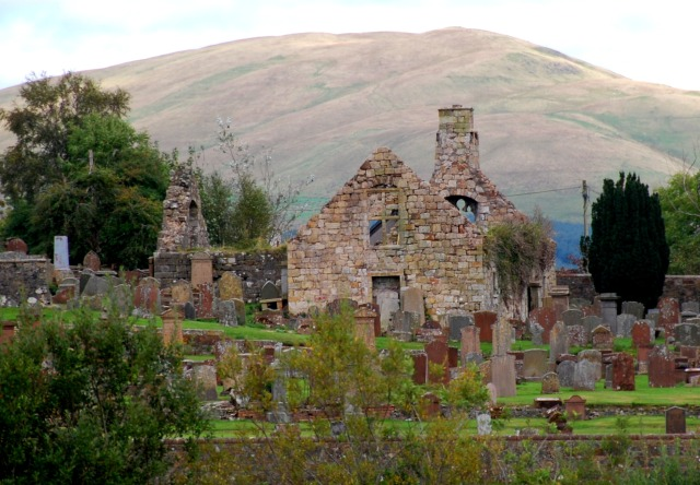 Auld Kirk and Corsencon hill