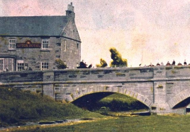 Afton Hotel and Nith Bridge