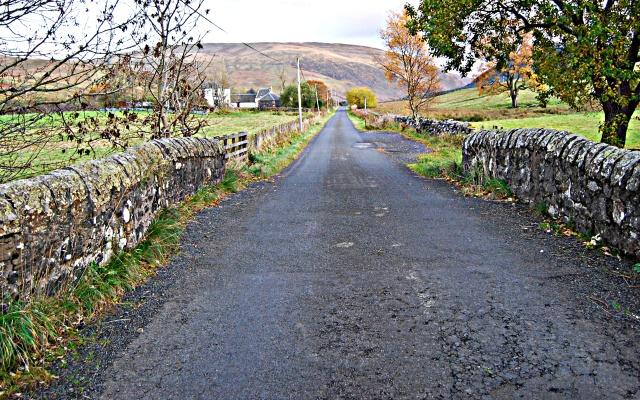 lochingerroch_road
